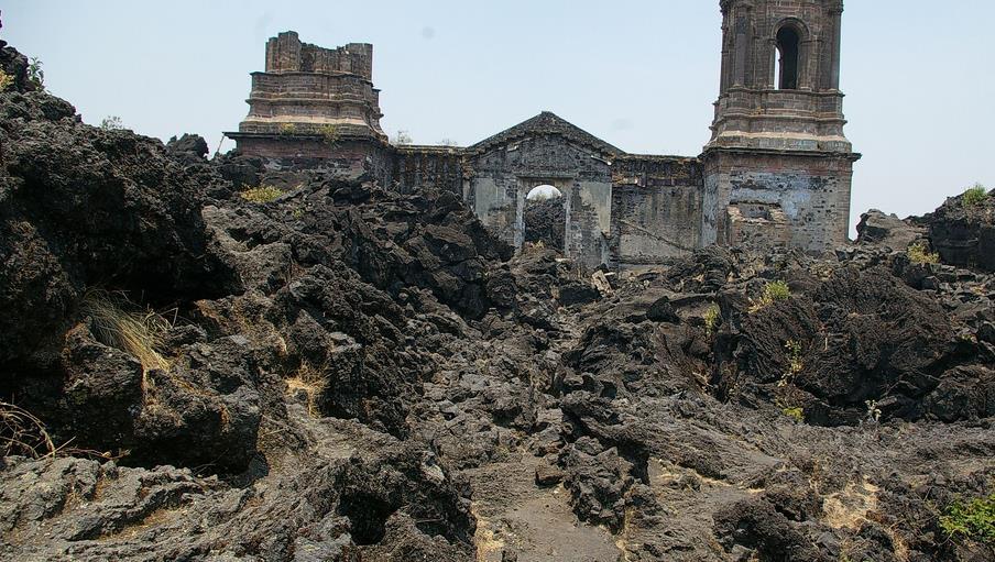 iglesia sepultada del paricutin foto de thomassin mickael